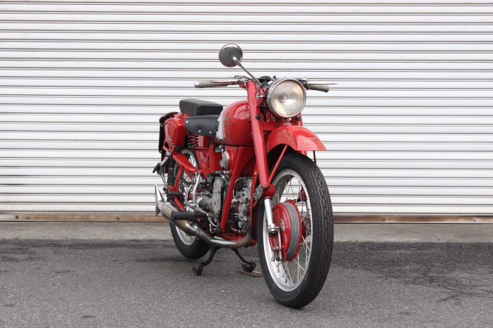 Moto Guzzi Airone Sport 入荷。_a0208987_11325012.jpg