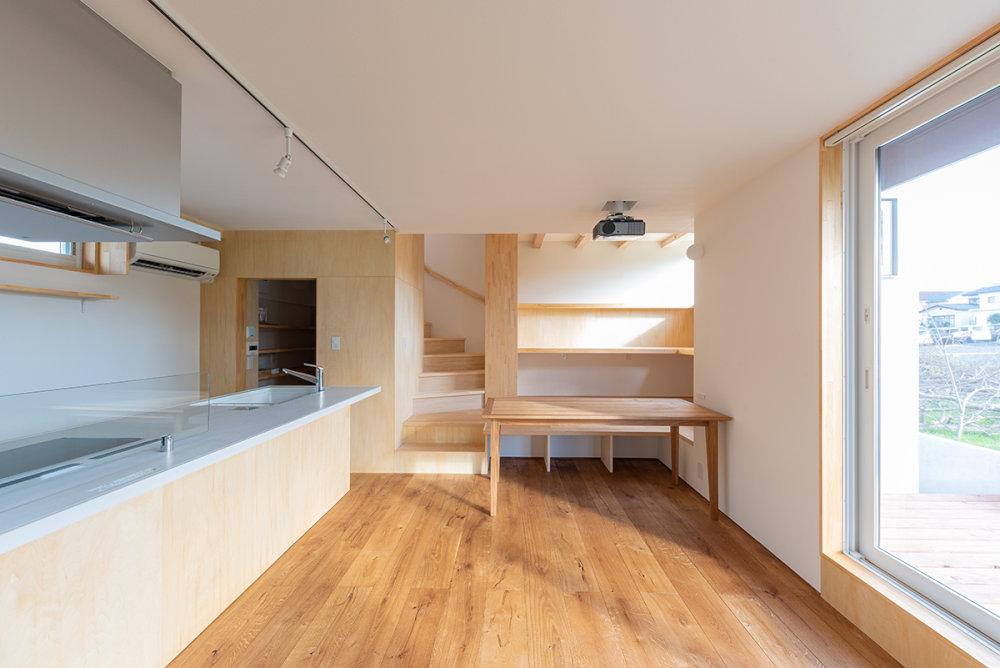 キッチンの工夫 スタディコーナーのある家_b0349892_08195027.jpg