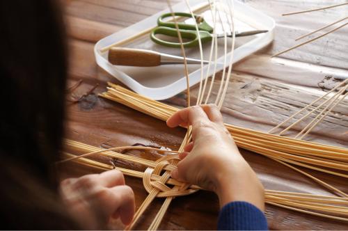 【籐でパン皿を編んでみよう♪】満席になりました!_d0056232_20112790.jpg