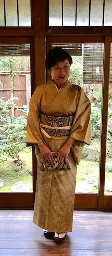 新年会・素敵な訪問着に夾纈(きょうけち)刺繍帯・猫の日_f0181251_15461808.jpg