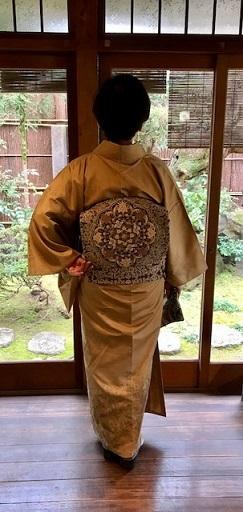 新年会・素敵な訪問着に夾纈(きょうけち)刺繍帯・猫の日_f0181251_15565298.jpg