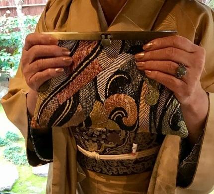 新年会・素敵な訪問着に夾纈(きょうけち)刺繍帯・猫の日_f0181251_16205443.jpg