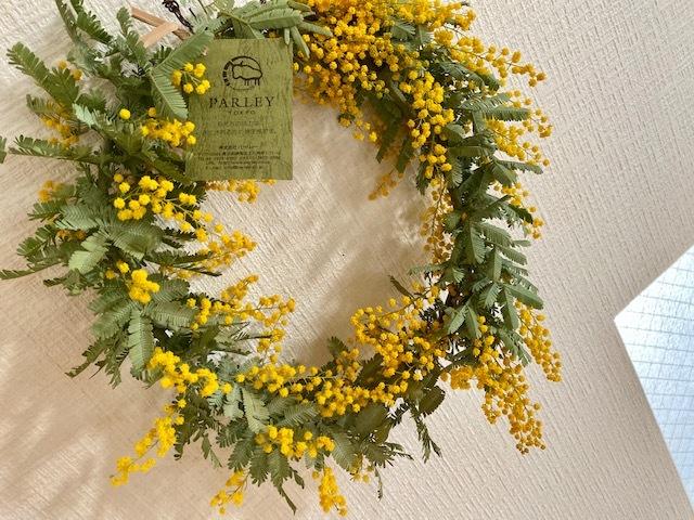 Mimoza wreath お嫁さんに春をプレゼント♪_a0165160_21022088.jpg