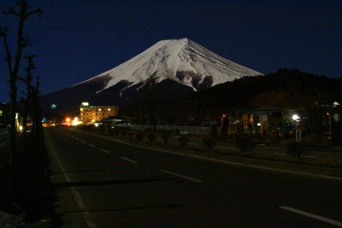令和2年2月の富士 (14) 富士見バイバス夜の富士_e0344396_13265915.jpg