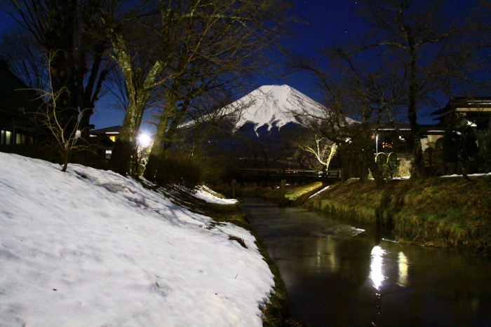 令和2年2月の富士 (15) 忍野新名庄川夜の富士_e0344396_15230240.jpg