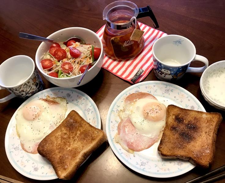 朝ごはん?いや ランチです。_c0212604_11273092.jpg