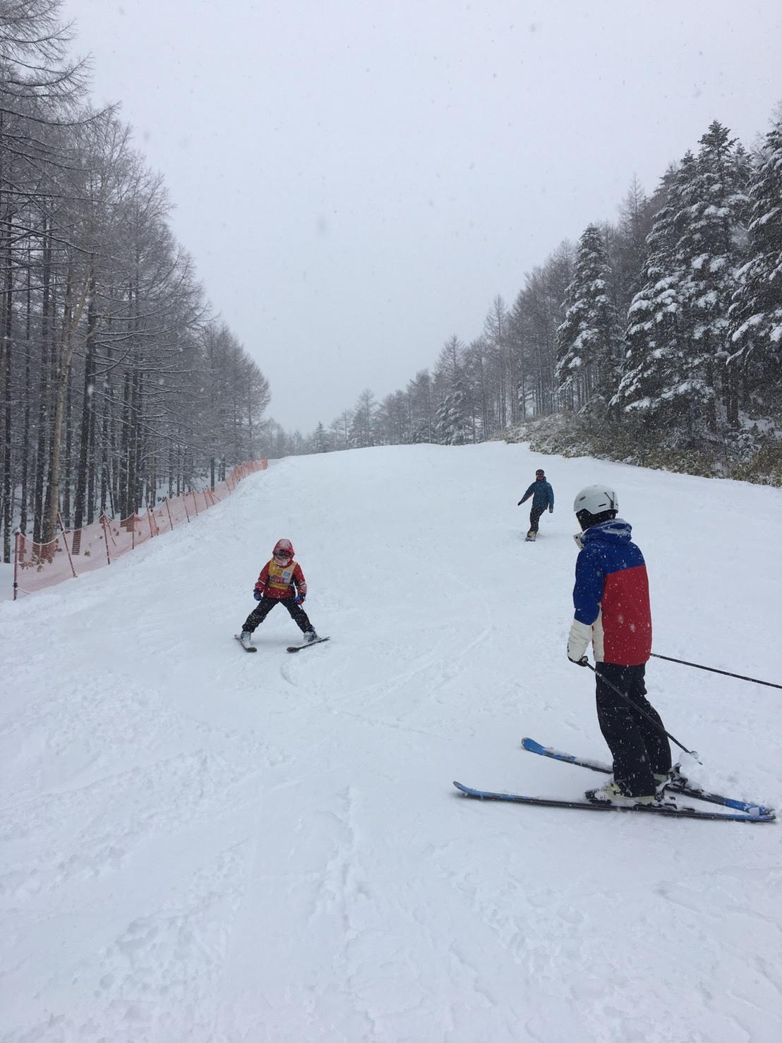 雨だけど滑る雪_a0150315_08220437.jpg