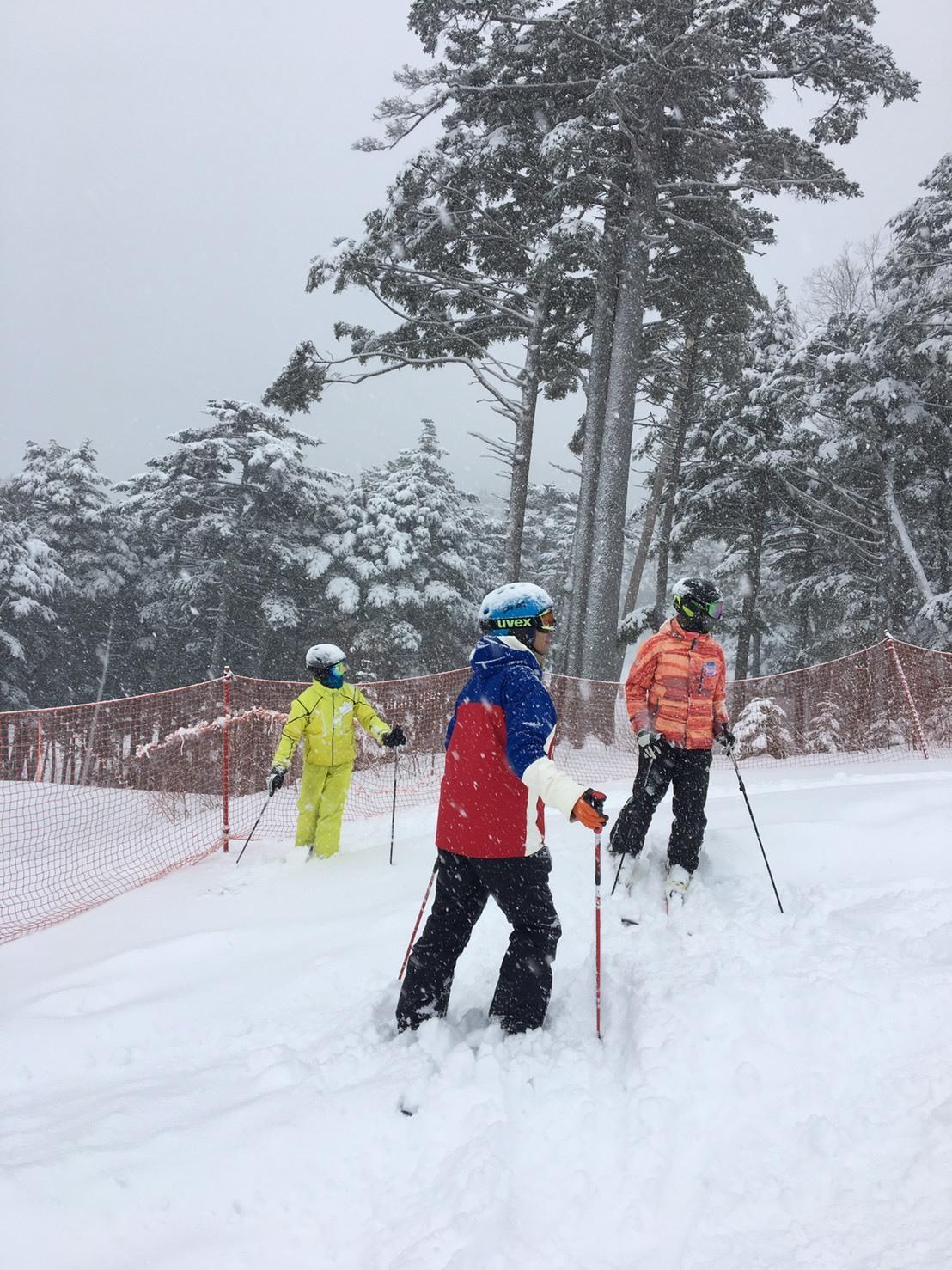雨だけど滑る雪_a0150315_08353812.jpg