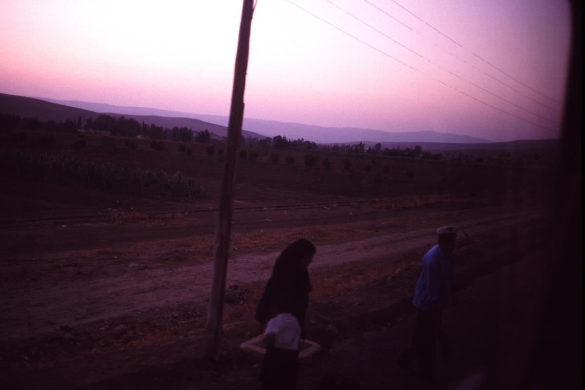 【大陸横断2000その32】フェズ~タンジール  アフリカ鉄路で港へ_b0061717_01183991.jpg
