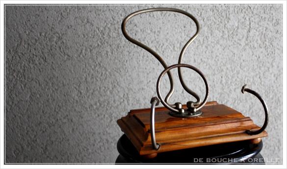 porte lettre et crayon en bois 古い木製のレターラック・ペントレー イギリスアンティーク_d0184921_16191016.jpg
