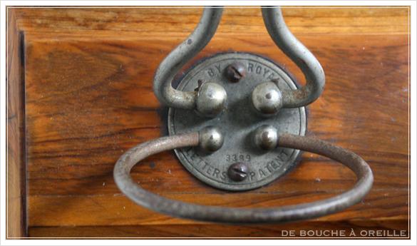 porte lettre et crayon en bois 古い木製のレターラック・ペントレー イギリスアンティーク_d0184921_16363064.jpg
