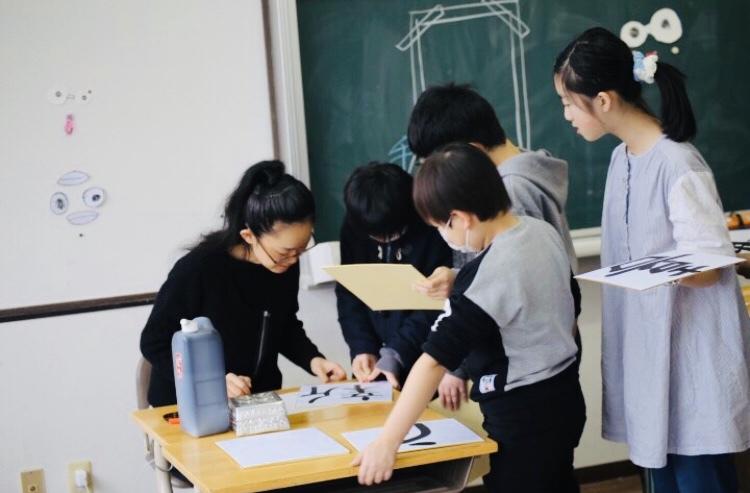 八郎潟小学校へ_e0197227_14421558.jpeg