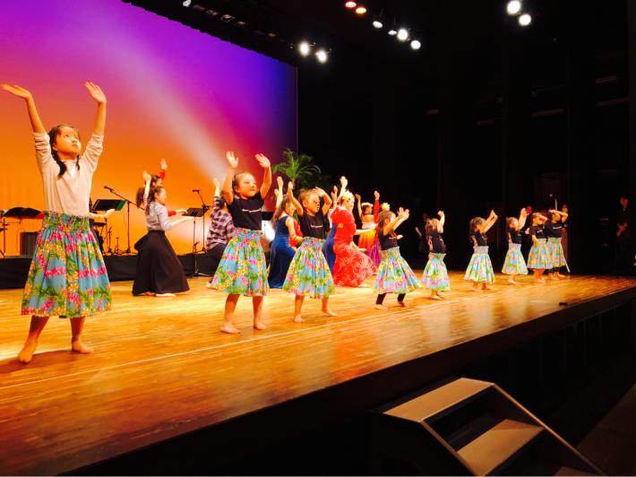 【イベント報告】2/23慶應義塾大学フラサークルPili Aloha/オリジナル単独公演にゲスト出演したキッズフラダンサーズに、はなまる!♡_e0397681_20270461.jpg