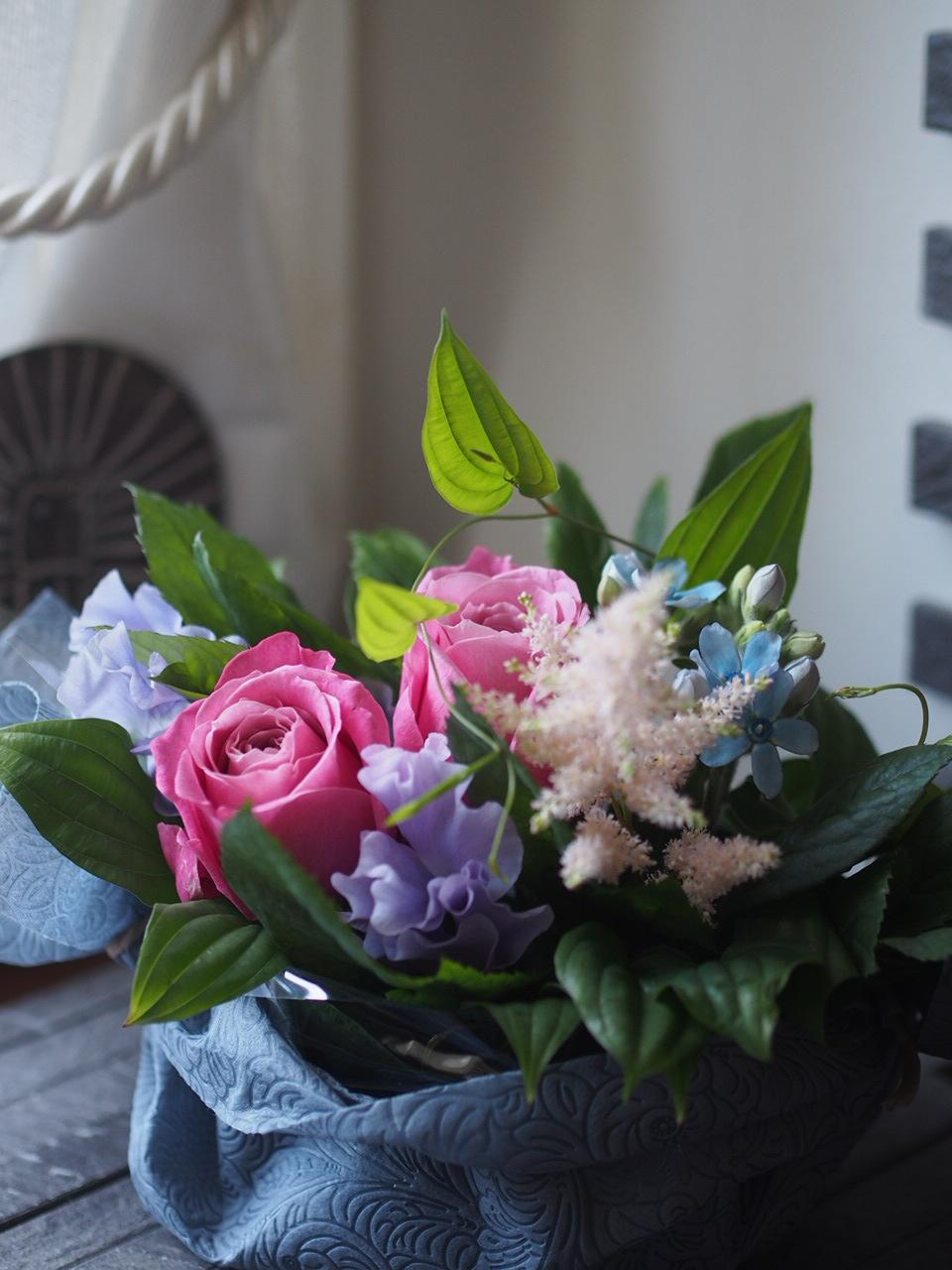 春のお花アレンジメントつづきます_d0144095_16055211.jpg