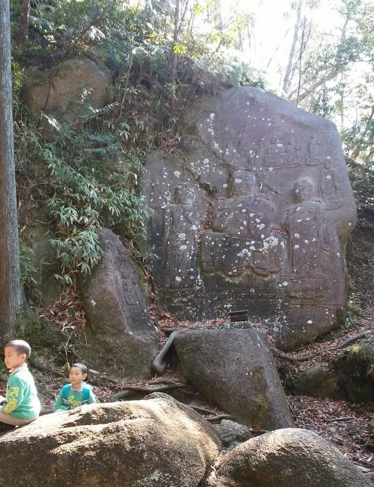 奇岩の山、金勝(こんぜ)アルプスを歩きました_c0038434_22553092.jpg