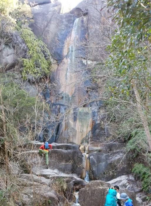 奇岩の山、金勝(こんぜ)アルプスを歩きました_c0038434_22563205.jpg
