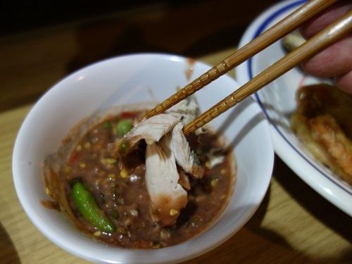 野菜天ぷらと茹で野菜、首曲り魚プラー・トゥー、そしてナムプリック・カピで大満足_c0030645_16340988.jpg