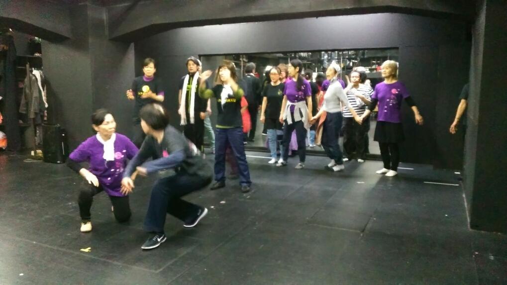ラインダンスに歌合戦!_a0132151_21182475.jpg