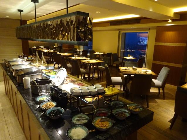 奥さんの名古屋 ~ 「ヒルトン名古屋」の続き、ラウンジ朝食、フィットネス_b0405262_05154414.jpg