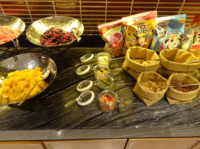 奥さんの名古屋 ~ 「ヒルトン名古屋」の続き、ラウンジ朝食、フィットネス_b0405262_05160081.jpg