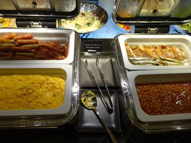 奥さんの名古屋 ~ 「ヒルトン名古屋」の続き、ラウンジ朝食、フィットネス_b0405262_05163723.jpg
