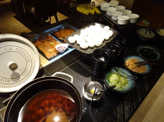 奥さんの名古屋 ~ 「ヒルトン名古屋」の続き、ラウンジ朝食、フィットネス_b0405262_05164899.jpg