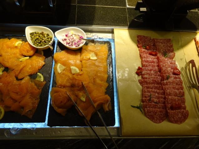 奥さんの名古屋 ~ 「ヒルトン名古屋」の続き、ラウンジ朝食、フィットネス_b0405262_05170364.jpg