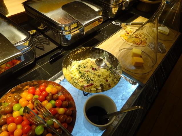 奥さんの名古屋 ~ 「ヒルトン名古屋」の続き、ラウンジ朝食、フィットネス_b0405262_05173164.jpg