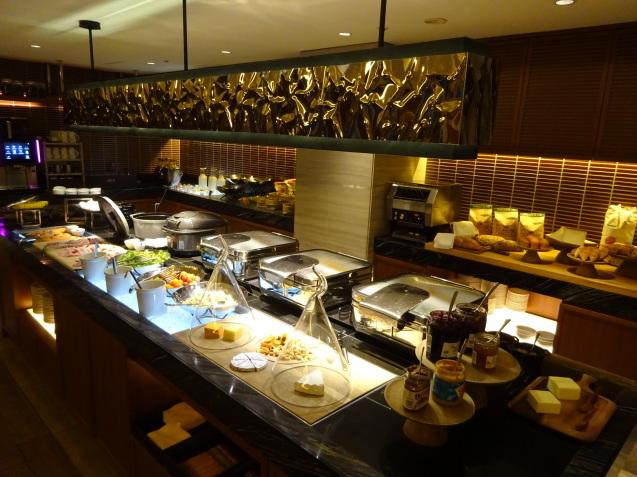 奥さんの名古屋 ~ 「ヒルトン名古屋」の続き、ラウンジ朝食、フィットネス_b0405262_05360543.jpg