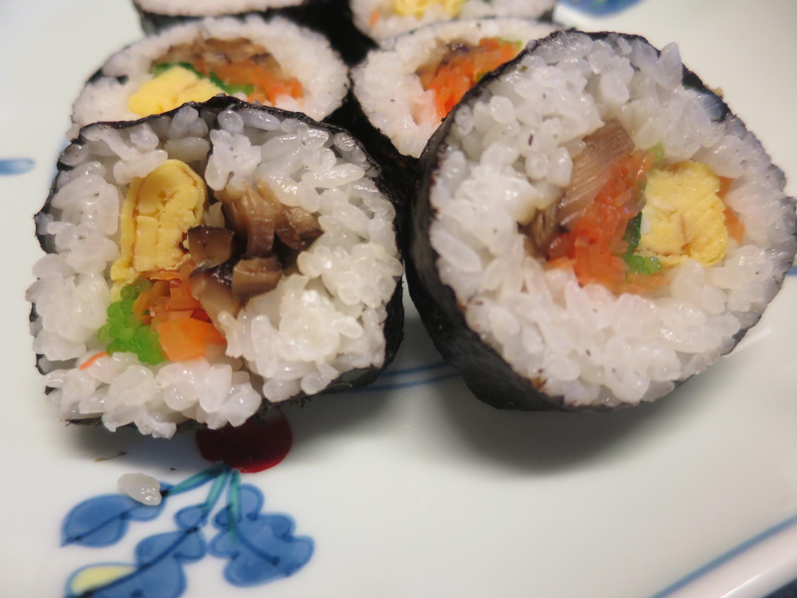 1年生 巻き寿司 米粒のならべかた_d0031682_10483168.jpg