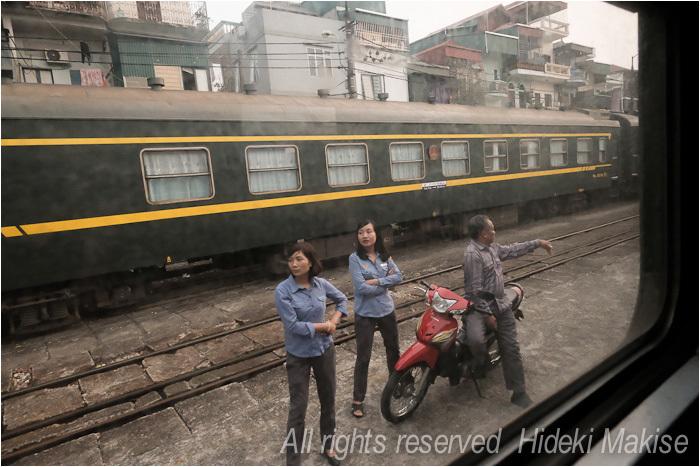 インドシナ周遊の旅 Ⅱ(14)ハイフォン(1)列車で_c0122685_20164232.jpg