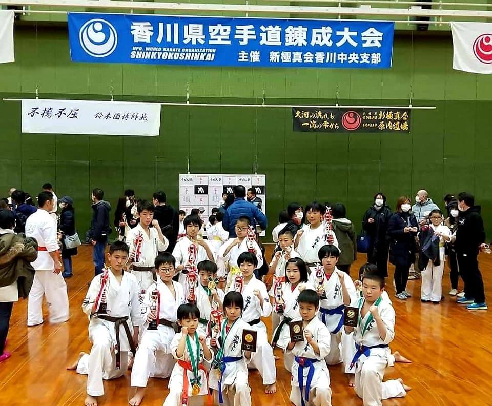 原内支部長が主催する「香川錬成大会」に、今年の開幕戦で初遠征でした。_c0186691_17114574.jpg