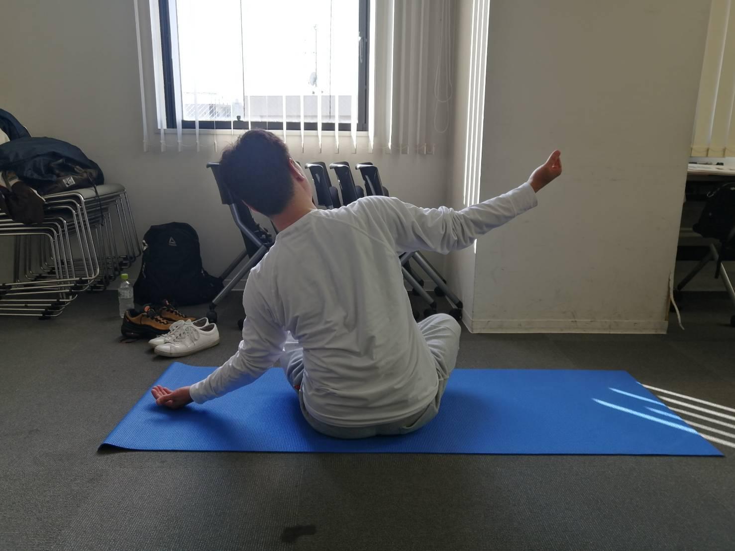 体を整えるために柔軟性を高める(準備運動⑩)_d0358103_18531131.jpg