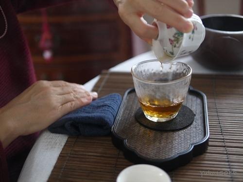 注目されている作り手の岩茶をいただく_a0169924_15553291.jpg