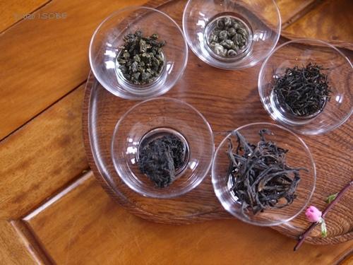 愛おしく茶葉を愛でる_a0169924_16042837.jpg
