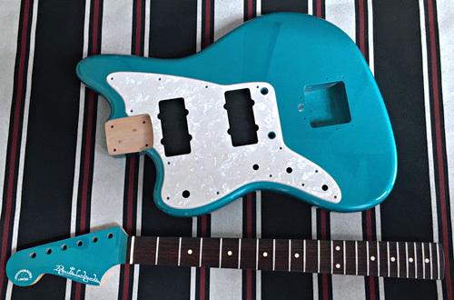 オーダーものと左用を含む計.4種のギターの塗装が完了!_e0053731_16381955.jpeg
