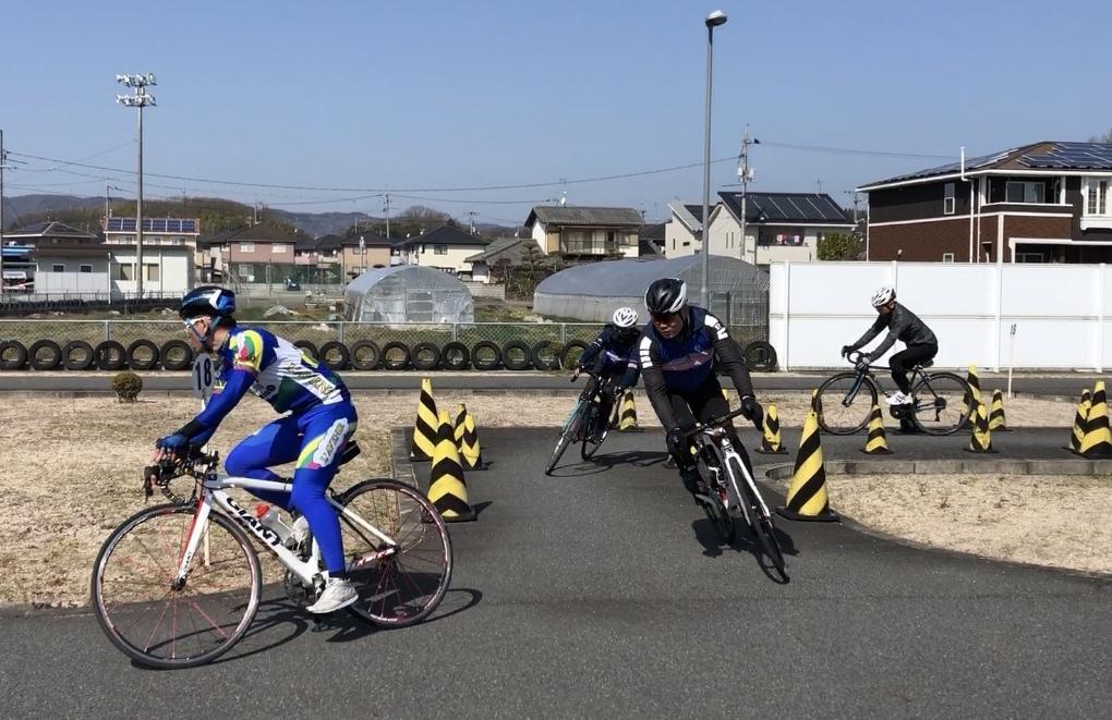 第1回 スポーツバイクの基礎スキル講習 @稲荷自動車教習所 _d0338933_16093069.jpg