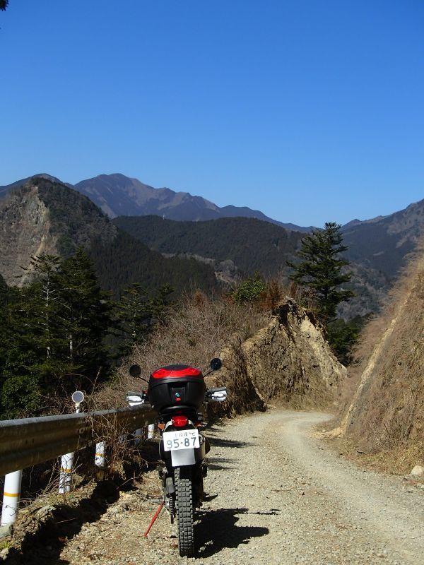 檜原村方面の林道現地調査_f0119755_16085209.jpg
