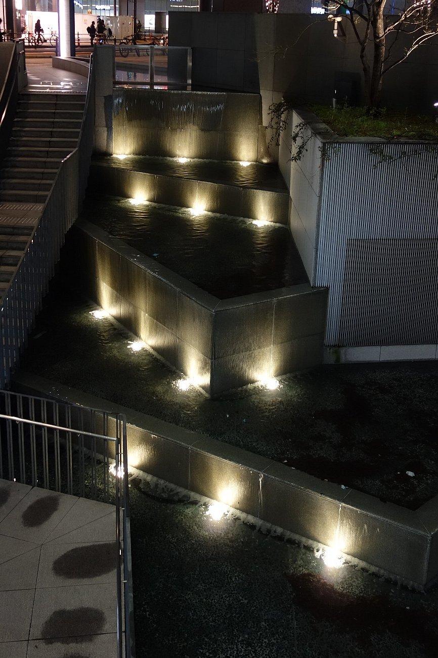 グランフロント大阪 うめきた広場_c0112559_09034941.jpg