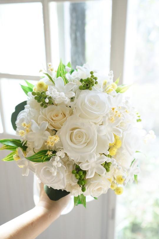 白バラとスズランのブーケ_a0136507_20113807.jpg