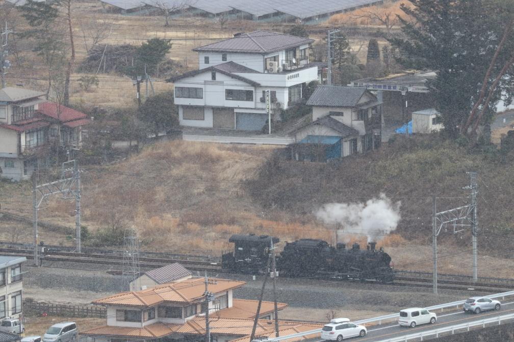 駅外れの蒸気機関車と車掌車 - 2020年・東武鬼怒川線 -_b0190710_22304144.jpg