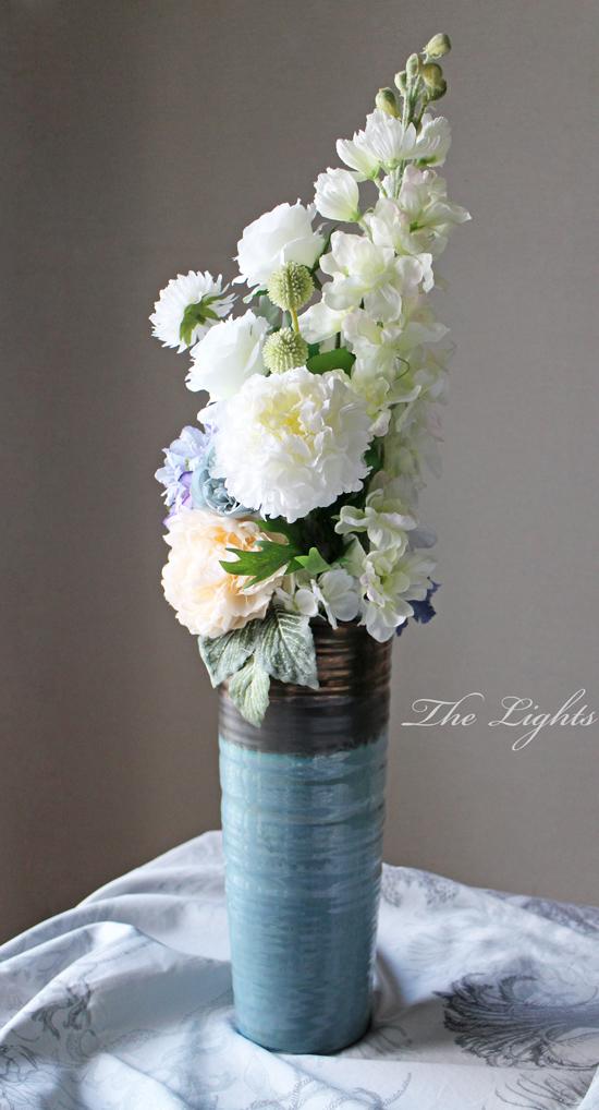 ブルーの花器に_d0372215_12271182.jpg