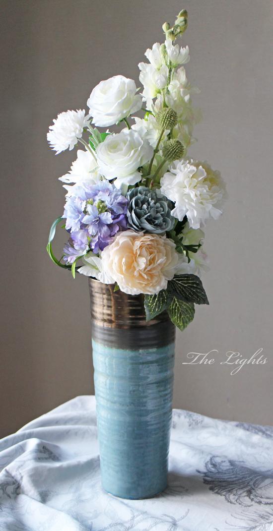 ブルーの花器に_d0372215_12271185.jpg