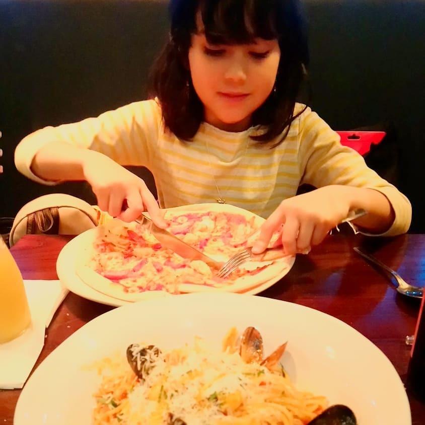 また瑠花のお気に入りレストランへ。。。_b0167736_03050335.jpg