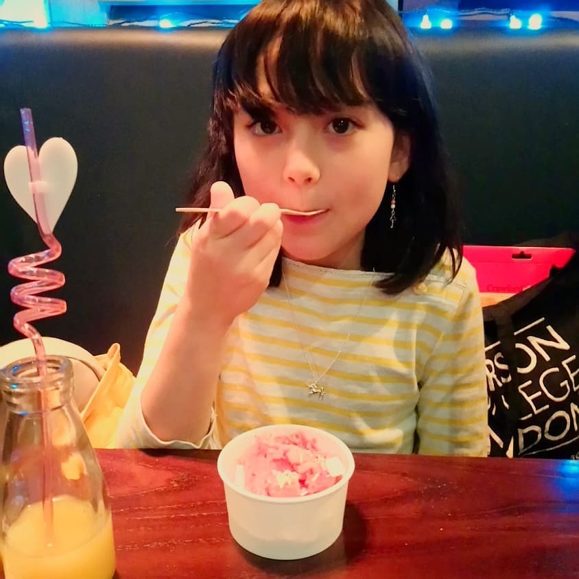また瑠花のお気に入りレストランへ。。。_b0167736_03063613.jpg