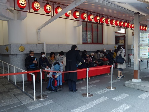 ひっさびさの歌舞伎座で美登利寿司を食べ、梅丸改め莟玉を見る_c0030645_21502945.jpg