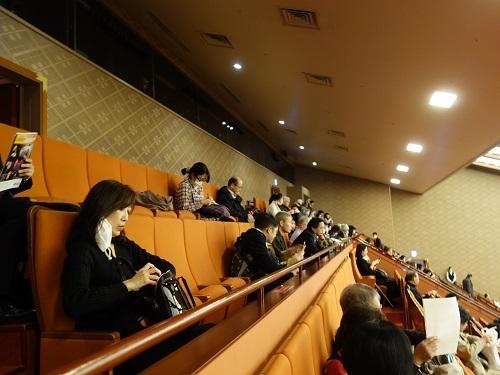 ひっさびさの歌舞伎座で美登利寿司を食べ、梅丸改め莟玉を見る_c0030645_21503250.jpg