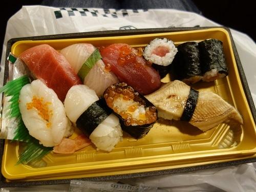 ひっさびさの歌舞伎座で美登利寿司を食べ、梅丸改め莟玉を見る_c0030645_21504897.jpg