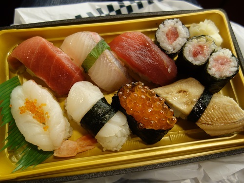 ひっさびさの歌舞伎座で美登利寿司を食べ、梅丸改め莟玉を見る_c0030645_21505108.jpg