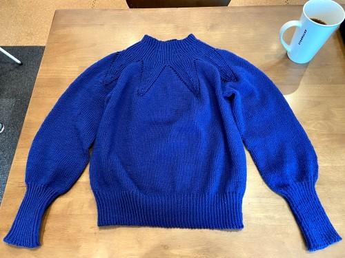 ついに完成したセーター。_e0031249_03150511.jpg